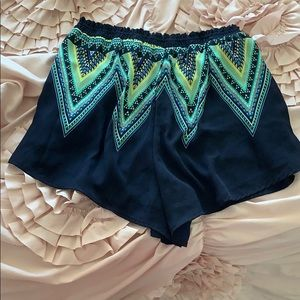 Lush Shorts - Lush Flowy Pattern Shorts Size L